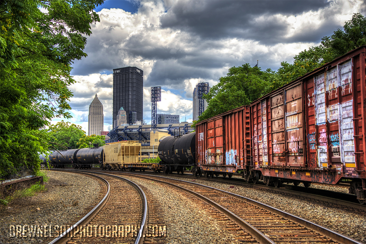 pittsburgh-railroad-skyline