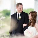 lingrow farm bride and groom